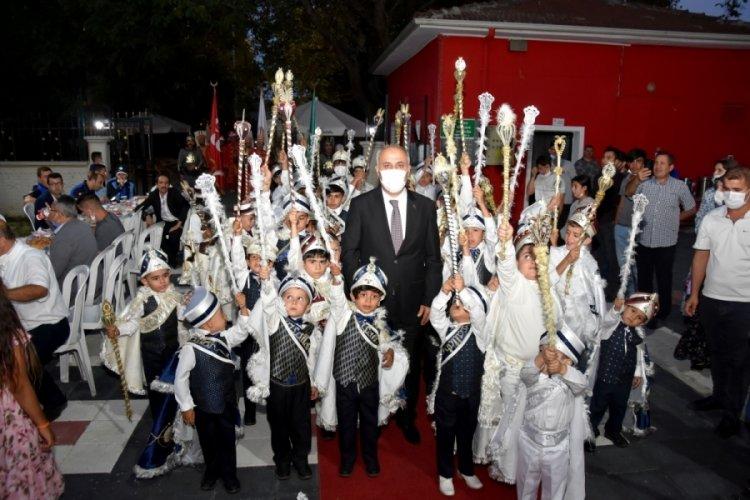 Bursa'da festival yerine sünnet şöleni yapıldı