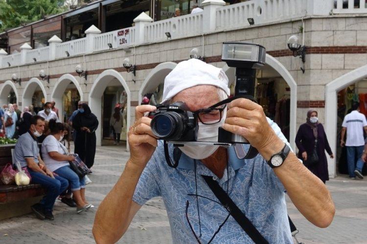Bursa'da 57 yıldır hayata objektiften bakıyor