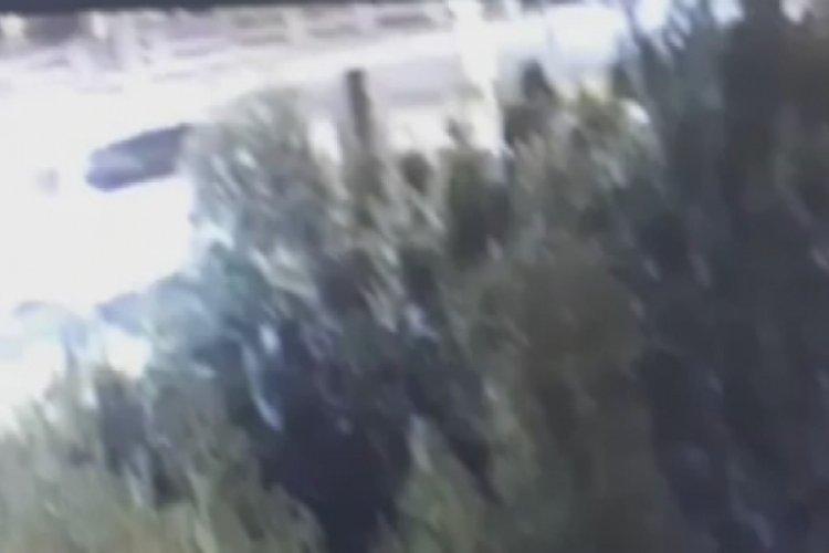Bursa'da benzinlik soyguncuları kaçarken komisere çarptı!