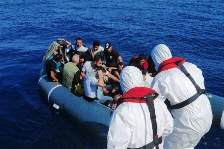 Muğla Marmaris'te 18 göçmen kurtarıldı