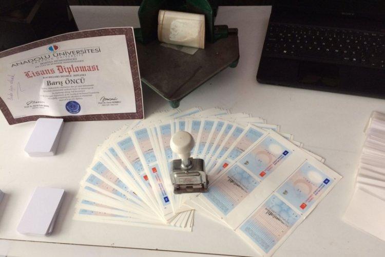 İstanbul Bahçelievler'de sahte diploma ve sürücü belgesi baskını!