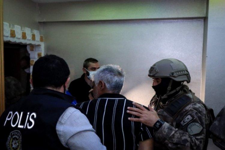 """Bursa'da """"şafak"""" operasyonunda yakalananların sayısı 74'e yükseldi"""
