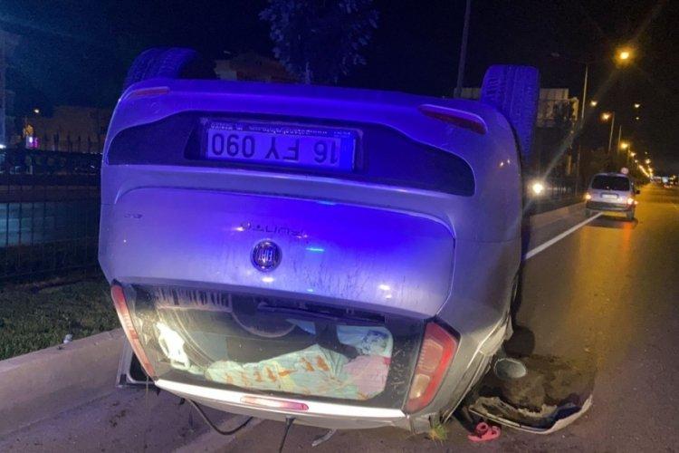Bursa'da kontrolden çıkıp takla atan aracın sürücüsü yaralandı