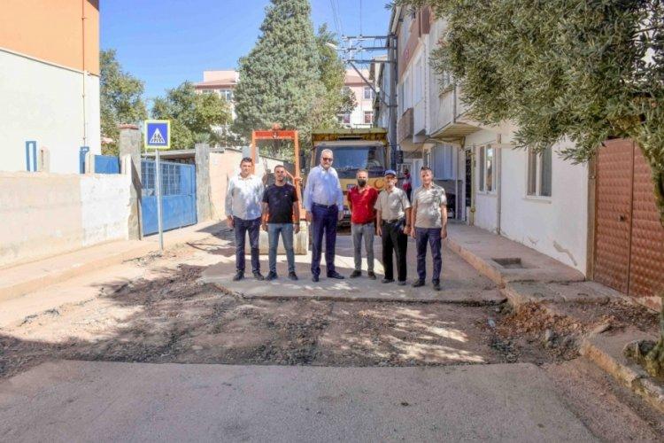 Bursa Karacabey'de alt yapı ve asfalt çalışmaları sürüyor