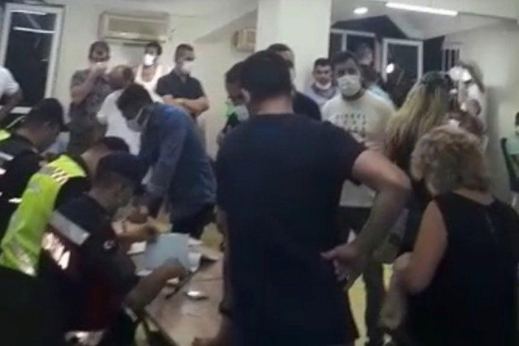 Antalya'da sendika merkezine baskın! Kumar oynayan 55 kişi yakalandı
