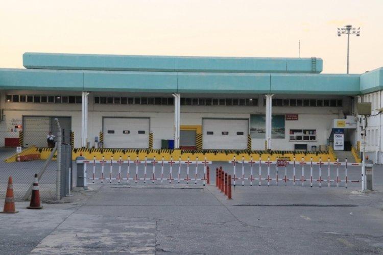 Adana Havalimanı'nda klima motoru patladı: 2 işçi yaralı