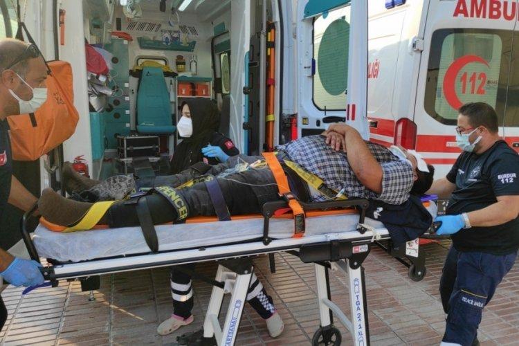 Burdur'da 2 kazada 3 kişi yaralandı