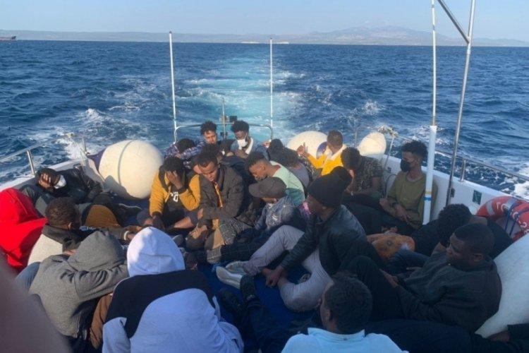 Ayvalık'ta 35 kaçak göçmen kurtarıldı