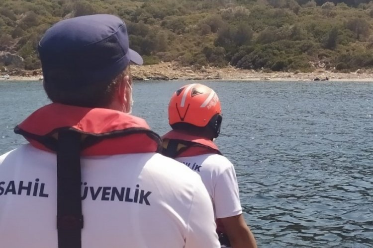 Kuşadası'nda yüzerek karaya çıkan 3 göçmen kurtarıldı