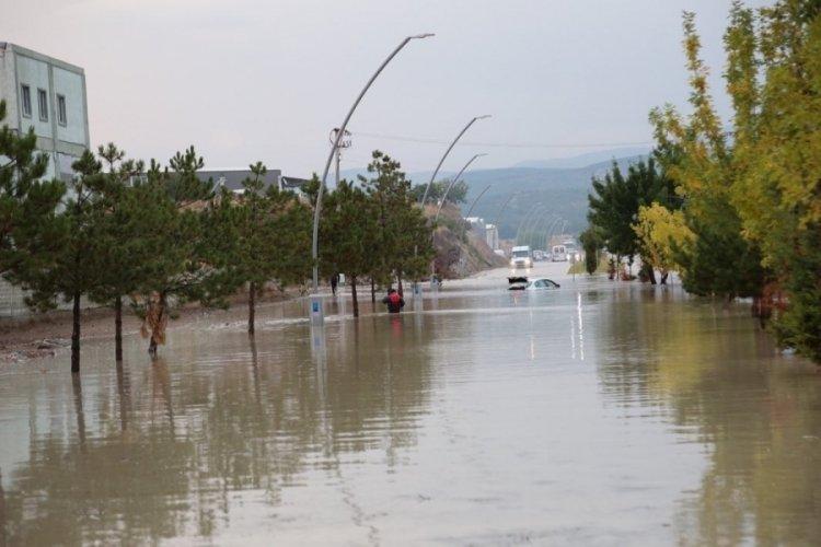 Kütahya'da 4 fabrika su altında kaldı