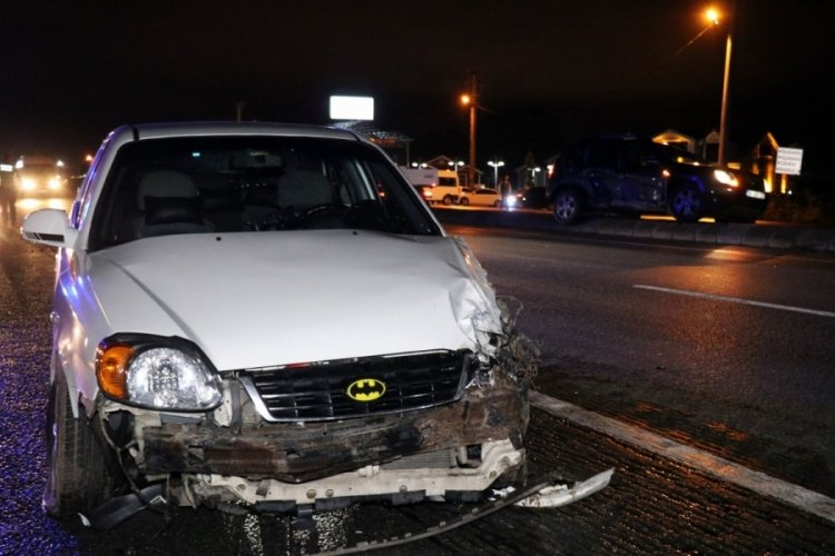 Cip ile otomobil çarpıştı: 1'i çocuk 6 yaralı