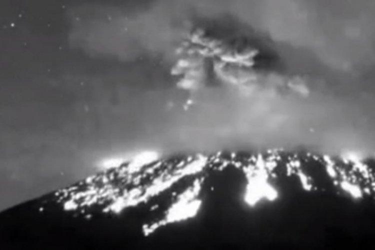 Meksika'da Popocatepetl Yanardağında patlama!