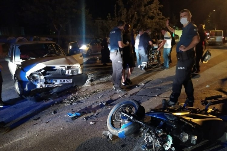Isparta'da feci kaza! Otomobille çarpışan motosiklet sürücü yaralandı