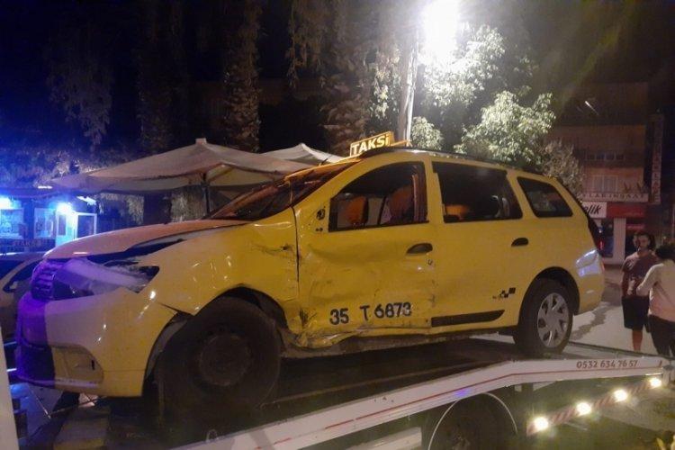Otomobille çarpışan taksinin şoförü öldü