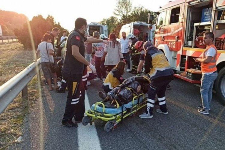 TEM otoyolu Düzce geçişinde feci kaza: 4 yaralı