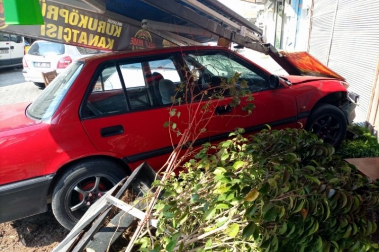 Adana'da fren yerine gaza basan sürücünün çarptığı kişi öldü