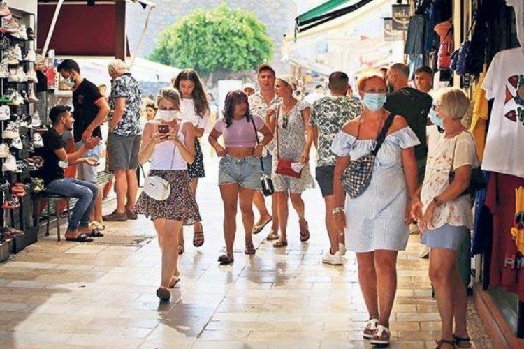 Alışverişte turist bereketi yaşanıyor