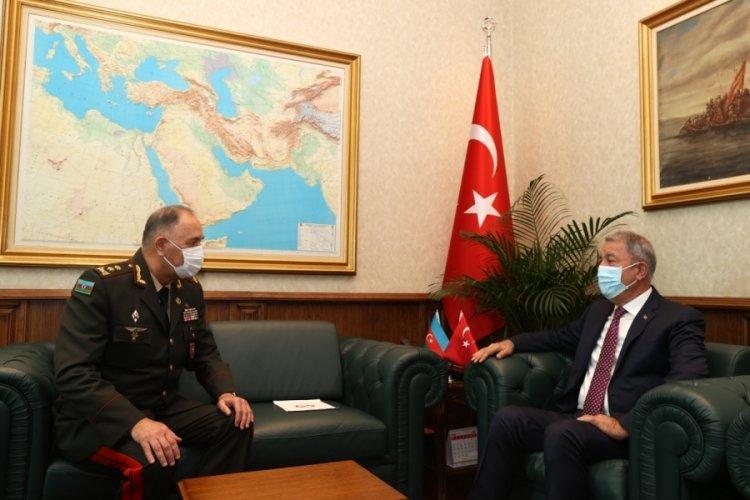 Savunma Bakanı Hulusi Akar, Azerbaycan Genelkurmay Başkanı ile görüştü