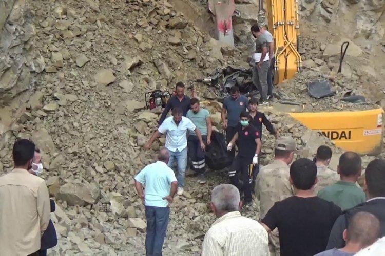 Erzurum'da kayaların altında kalan operatör öldü