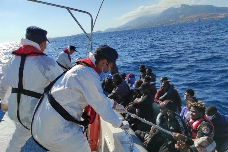 İzmir'de 184 düzensiz göçmen kurtarıldı