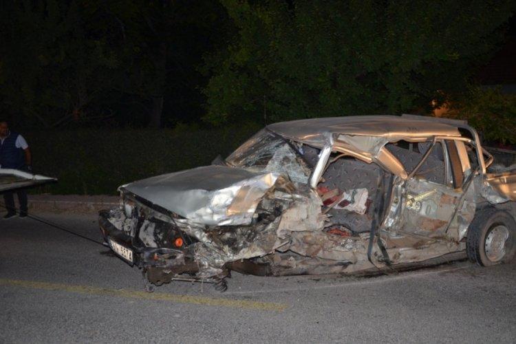 Otomobille çarpışan kamyonetin sürücüsü hayatını kaybetti
