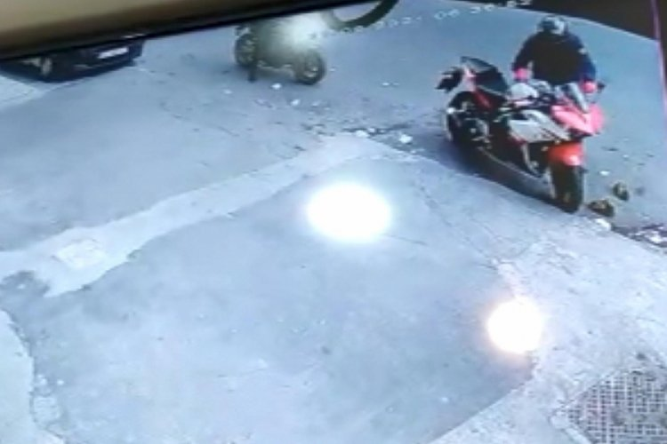 İstanbul Esenyurt'ta youtuber Fariz Bakhshaliyev'in motosikleti çalındı