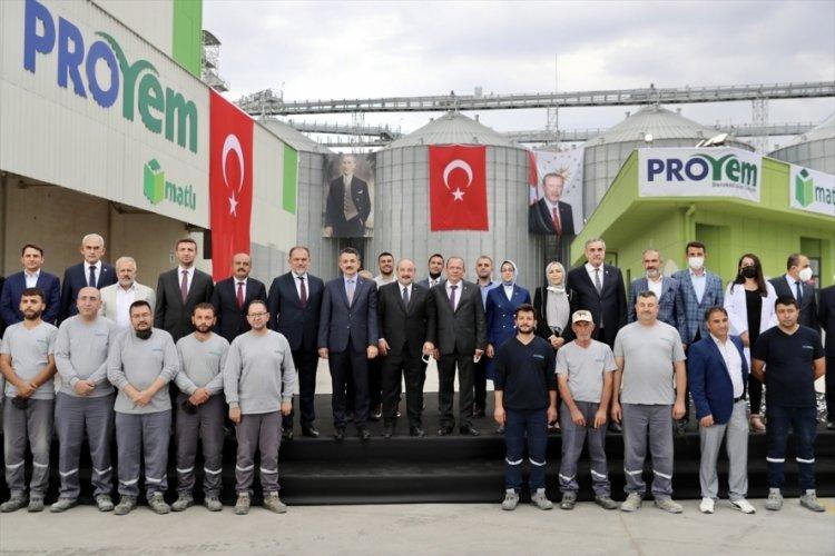 Bakanlar Varank ve Pakdemirli'nin katılımıyla yem fabrikası açıldı