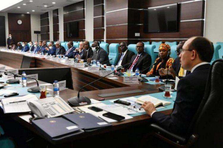 Bakan Mehmet Muş, Afrika ülkelerinin Ankara Büyükelçileri ile görüştü
