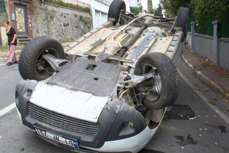 İstanbul Sarıyer'de otomobil takla atarak ters döndü