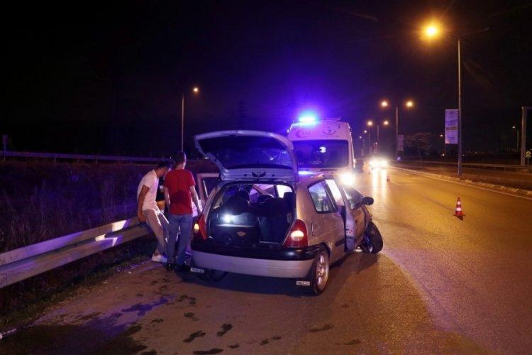 Kaza yapan alkollü sürücü hıncını gazetecilerden çıkardı