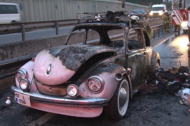 İstanbul'dan sünnet düğünü için yola çıktı! Otomobili alev aldı