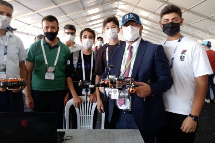 Bursa İl Millî Eğitim Müdürü Gür'den liseler arası İHA yarışmasına katılan öğrencilere ziyaret
