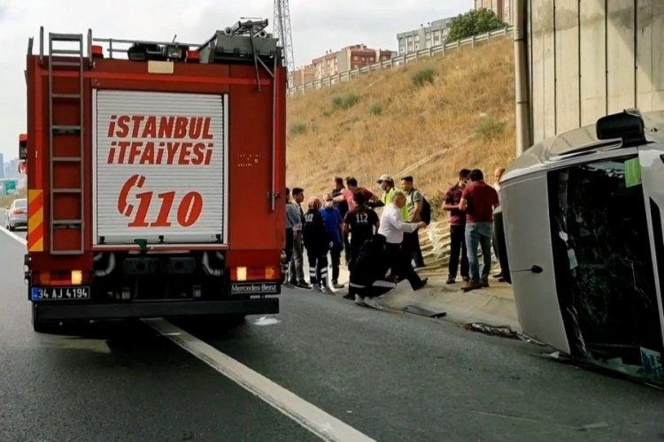 İstanbul Başakşehir'de servis minibüsü yan yattı! 6 yaralı