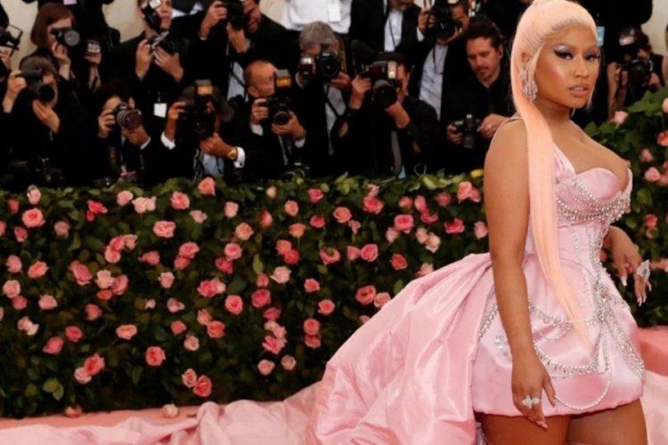 Nicki Minaj'ın 'aşı testislerini şişirdi' iddiasına Dr. Fauci ve Boris Johnson'dan cevap!