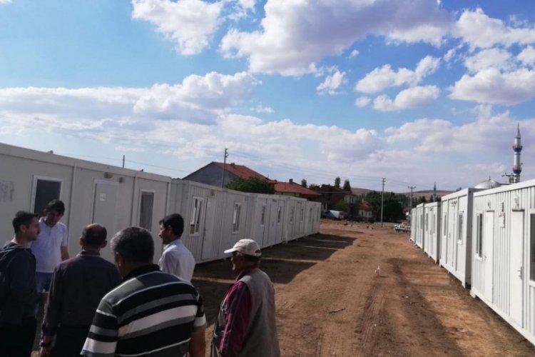 Kütahya'da depremzedeler, AFAD konteynerlerine yerleşiyor