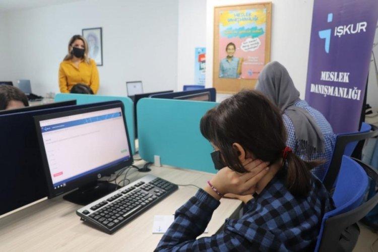 Bursa İŞKUR, koruma altındaki gençlerin geleceğine ışık tutuyor