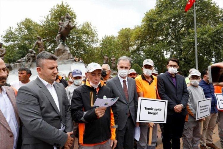 Bursa'da İnegöl'de temizlik işçilerinden mesaj var