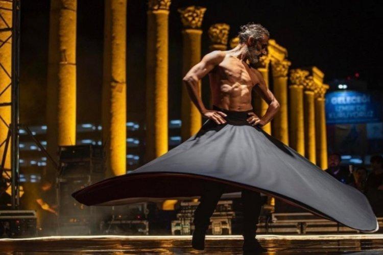 İzmir'de semazen temalı dans gösterisine tepki büyüyor