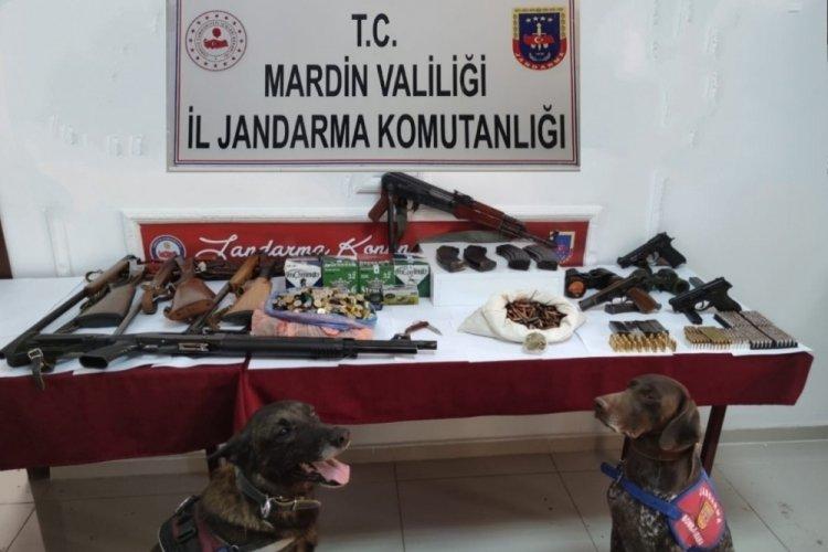 Mardin'de firari 2 kişi jandarmanın yürüttüğü çalışmayla yakalandı