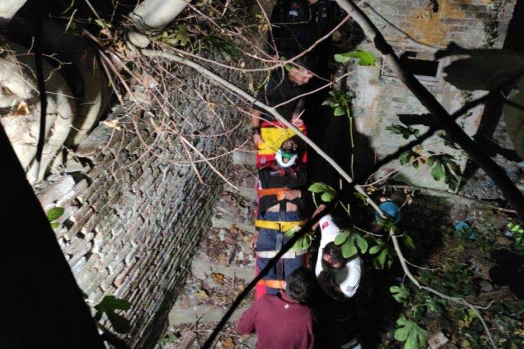 Bursa'da parkın surlarından düşen kişi ağır yaralandı