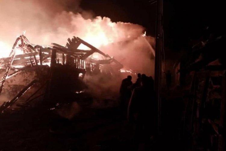Ankara'da feci yangın: 7 ev küle döndü