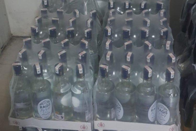 Antalya'da bir otelde 332 litre sahte içki ele geçirildi