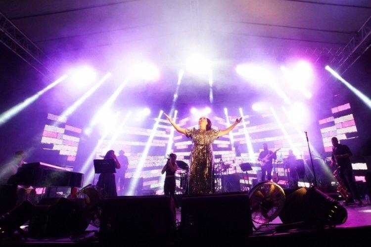 Bursa Kestel 7.Geleneksel Balkan Panayırı, Işın Karaca konseri ile başladı