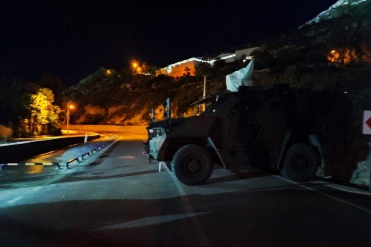 Hatay'da Samandağ-Arsuz yolu heyelan sebebiyle trafiğe kapatıldı