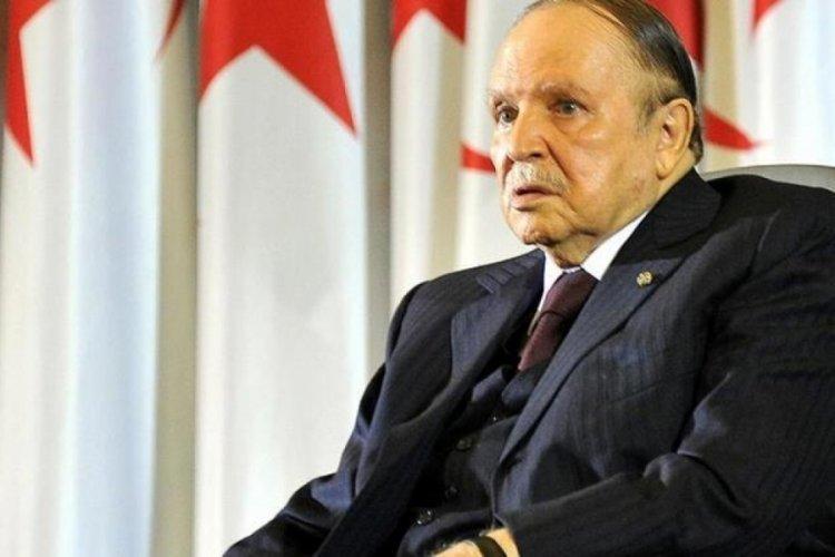 Cezayir'in eski Cumhurbaşkanı Buteflika hayatını kaybetti