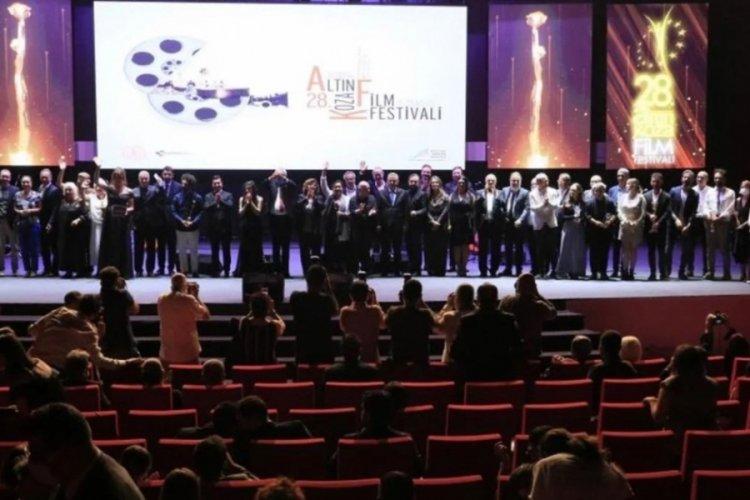 28. Uluslararası Adana Altın Koza Film Festivali'nde ödüller sahiplerine verildi