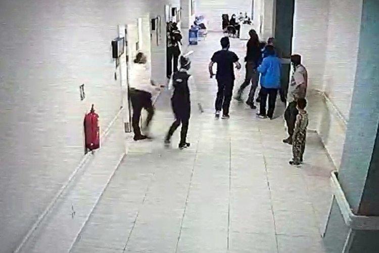 Isparta'da hasta yakını doktoru darbetti