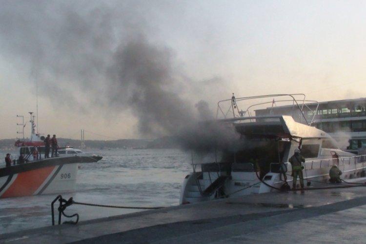 İstanbul Bebek'te lüks tekne yandı