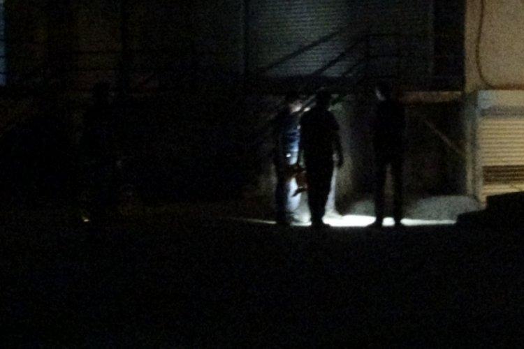 Diyarbakır'da emlakçı dükkanına silahlı saldırı