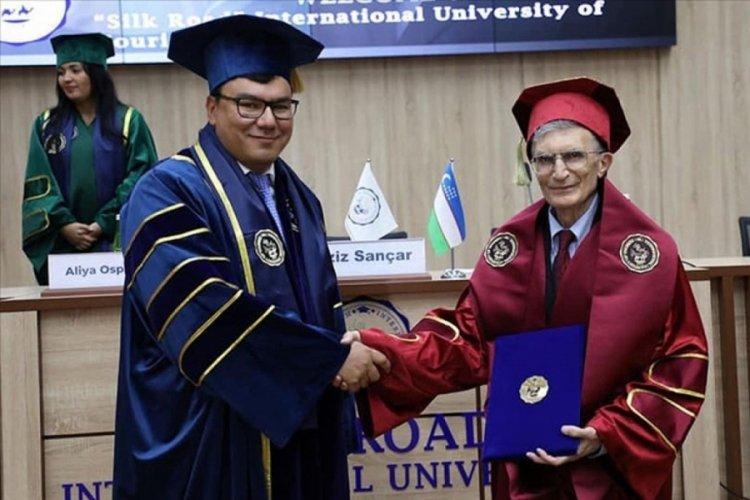 Türk bilim insanı Aziz Sancar'a Özbekistan'da fahri doktora unvanı verildi